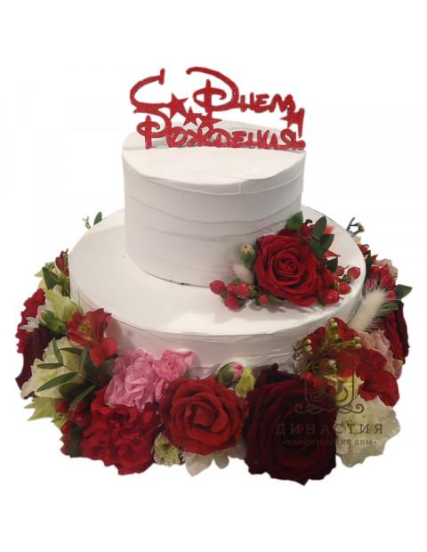Торт с крупными бутонами роз