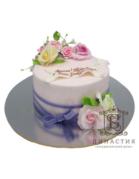 Торт с лавандовым бантом