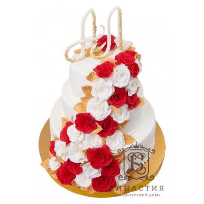 Торт С бело-красным каскадом