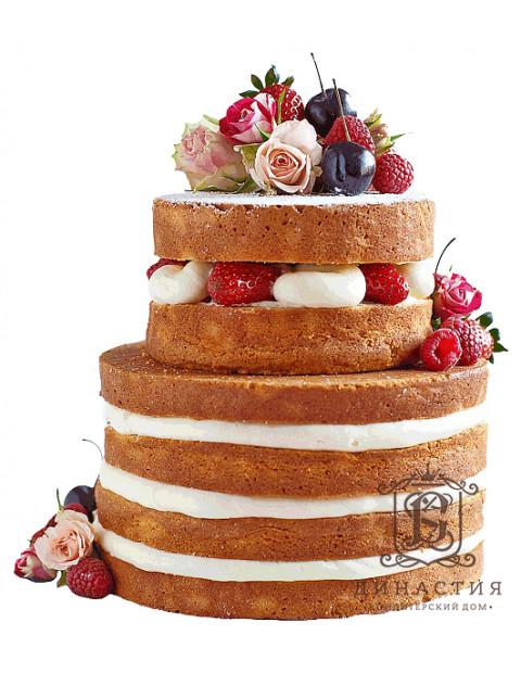 Торт с открытыми коржами и ягодами