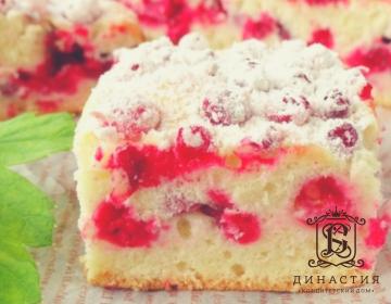 Рецепт бисквитного торта с красной смородиной