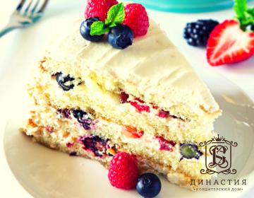 Рецепт слоеного торта с ягодами